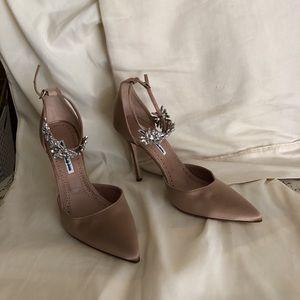 Brand New Manolo Blahnik Sicaria heels